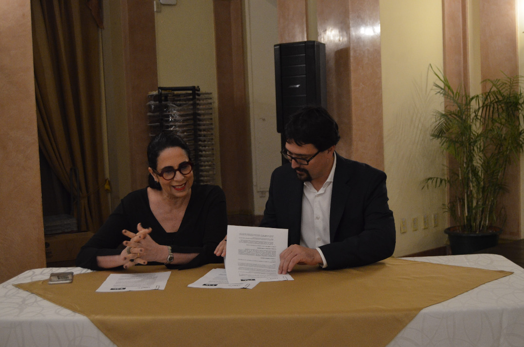 TAL and CAACI sign cooperation agreement between film and television in the region